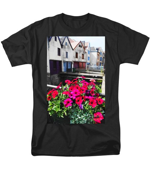 Petunias Of Amiens Men's T-Shirt  (Regular Fit) by Therese Alcorn