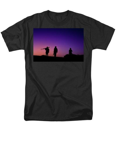 Photographers At Sunset Men's T-Shirt  (Regular Fit)