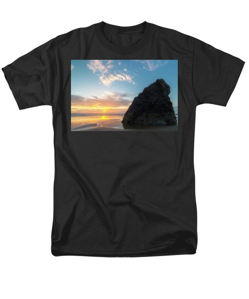 Men's T-Shirt  (Regular Fit) featuring the photograph Point Meriwether by Ryan Manuel