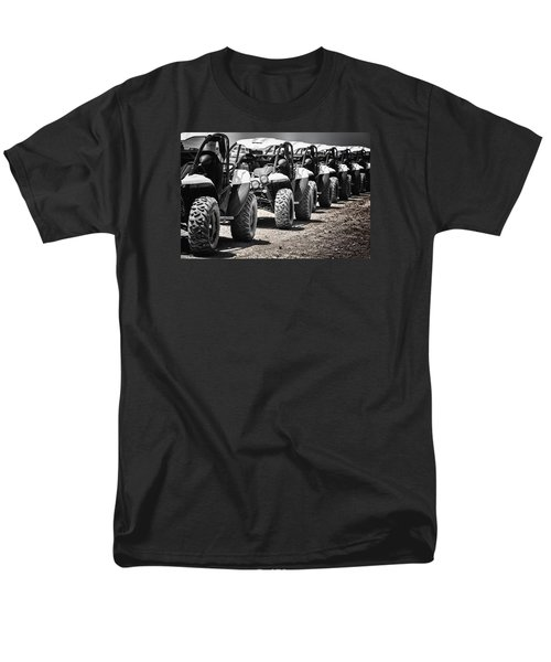 Men's T-Shirt  (Regular Fit) featuring the photograph Pole Position by Edgar Laureano