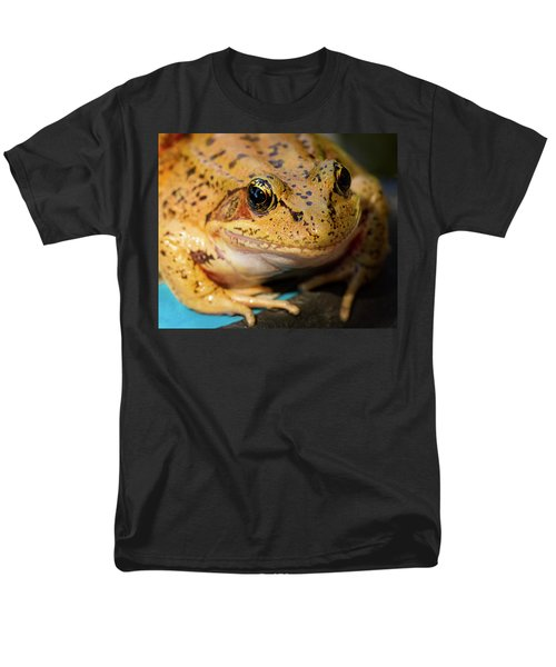 Men's T-Shirt  (Regular Fit) featuring the photograph Red Leg Frog by Jean Noren