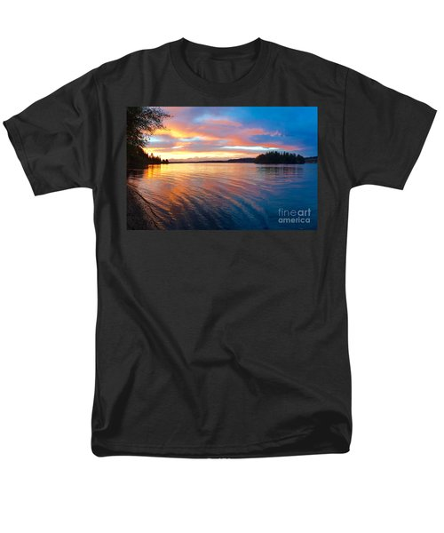 Red Sky At Night Men's T-Shirt  (Regular Fit) by Sean Griffin
