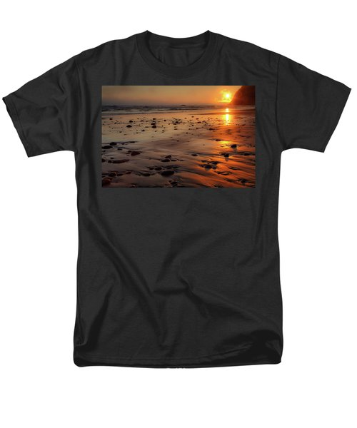 Ruby Beach Sunset Men's T-Shirt  (Regular Fit) by David Chandler