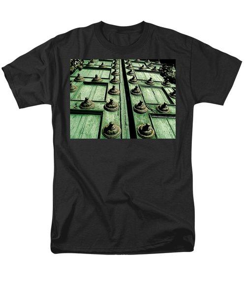 Rustic Church Door Men's T-Shirt  (Regular Fit)