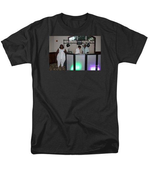 Sanderson - 4539 Men's T-Shirt  (Regular Fit) by Joe Finney