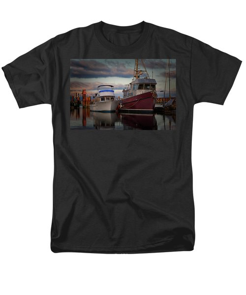 Men's T-Shirt  (Regular Fit) featuring the photograph Sea Rake by Randy Hall