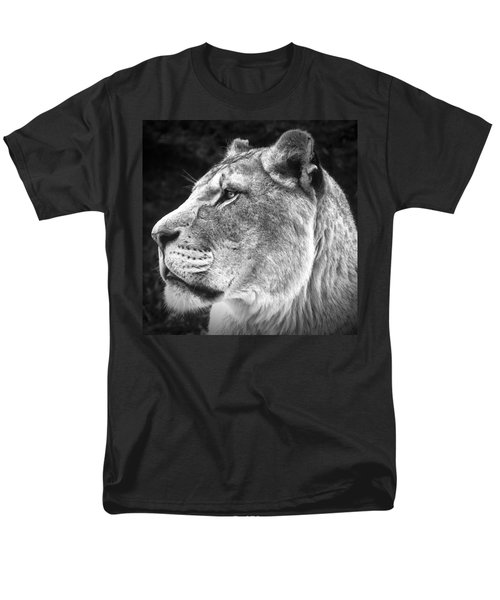Silver Lioness - Squareformat Men's T-Shirt  (Regular Fit) by Chris Boulton