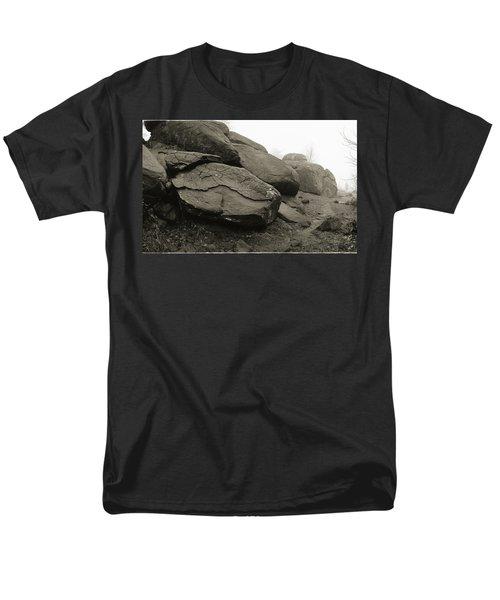 Slaughter Pen At Devils Den Men's T-Shirt  (Regular Fit) by Jan W Faul