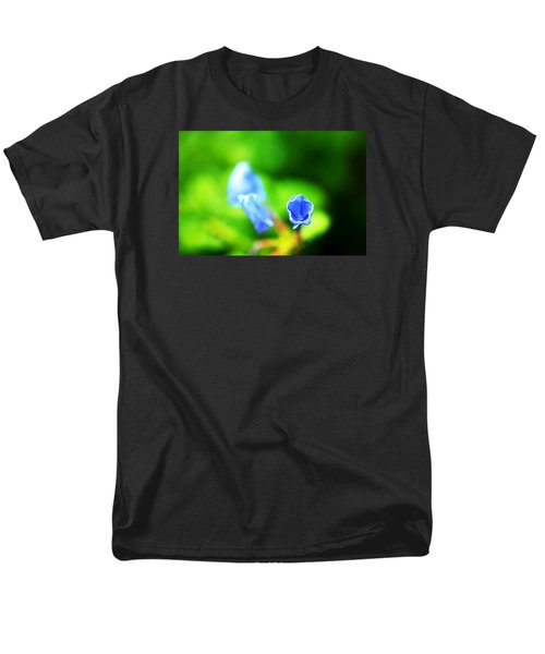 So Blue Men's T-Shirt  (Regular Fit) by Greg Allore