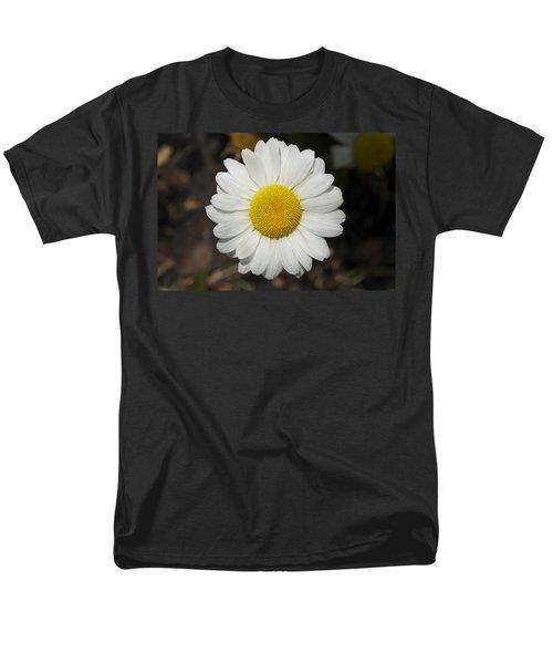 Solo Daisy Men's T-Shirt  (Regular Fit) by Henri Irizarri