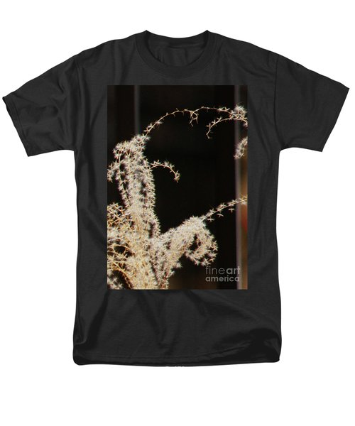 Men's T-Shirt  (Regular Fit) featuring the photograph Stay Close by Linda Shafer