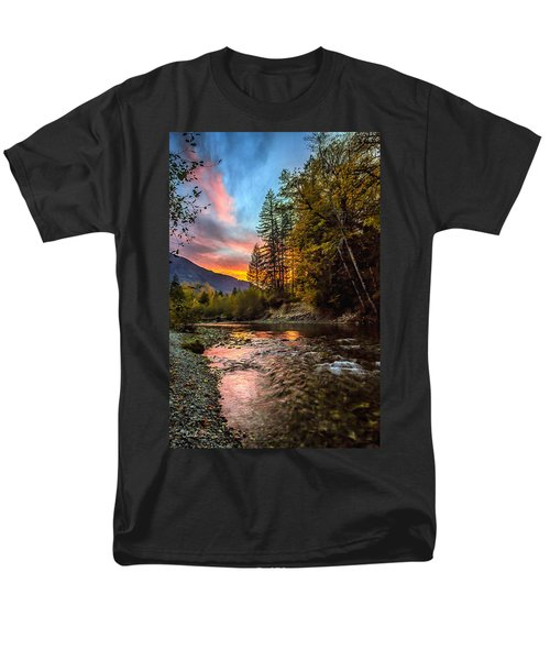 Stillaguamish Sunset Men's T-Shirt  (Regular Fit)