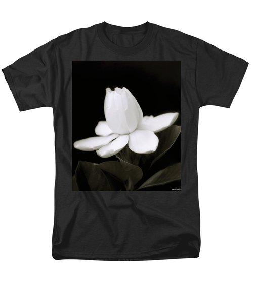 Summer Fragrance Men's T-Shirt  (Regular Fit) by Holly Kempe