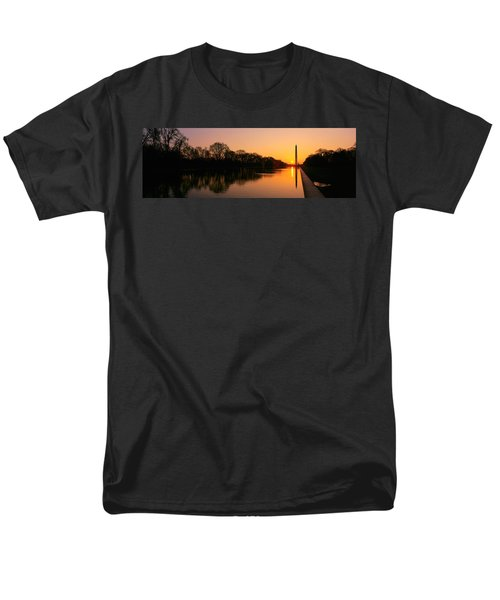 Sunset On The Washington Monument & Men's T-Shirt  (Regular Fit) by Panoramic Images