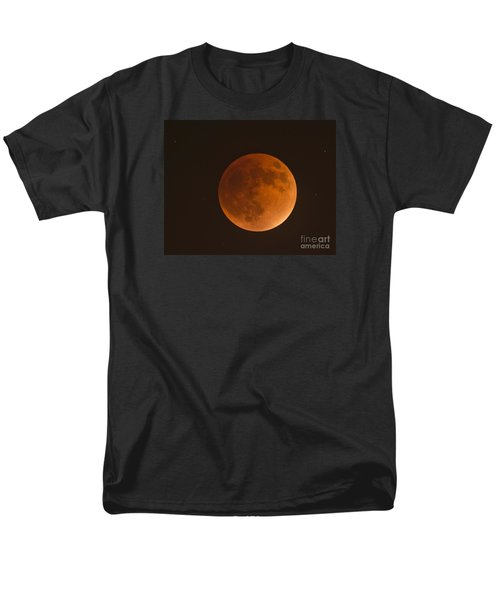 Super Blood Moon Men's T-Shirt  (Regular Fit) by Loriannah Hespe
