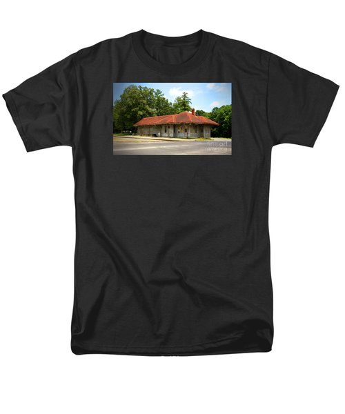 Tate, Ga, Rr Depot Men's T-Shirt  (Regular Fit) by Marilyn Carlyle Greiner