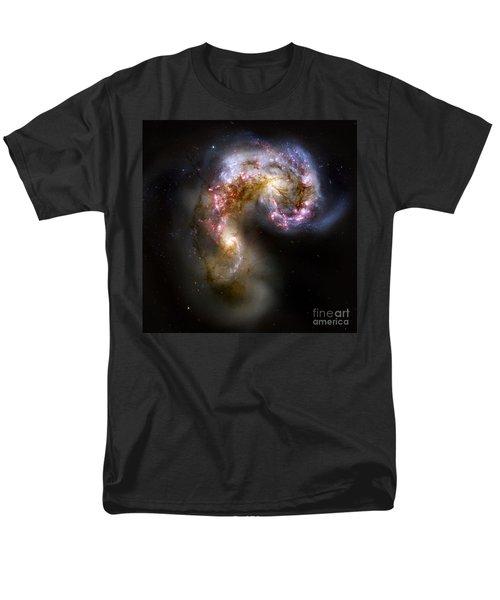 The Antennae Galaxies - Ngc 4038-4039 Men's T-Shirt  (Regular Fit)