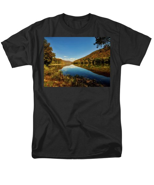 The New River In Autumn Men's T-Shirt  (Regular Fit) by L O C