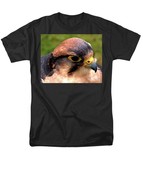 The Peregrine Men's T-Shirt  (Regular Fit) by Stephen Melia