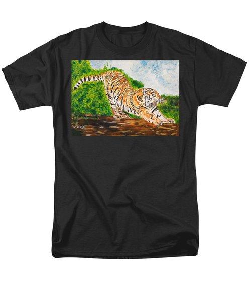 Tiger Stretching Men's T-Shirt  (Regular Fit)