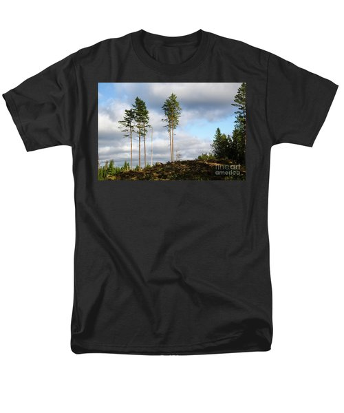 Towards The Sky Men's T-Shirt  (Regular Fit) by Kennerth and Birgitta Kullman