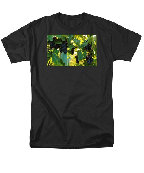 Men's T-Shirt  (Regular Fit) featuring the photograph Under The Leaves by Lynn Hopwood