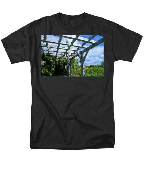 View To The Sky Men's T-Shirt  (Regular Fit)