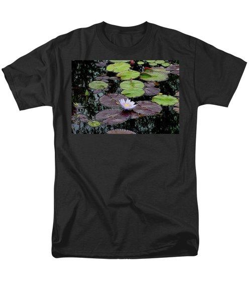 Waterlily - 001 Men's T-Shirt  (Regular Fit) by Shirley Heyn