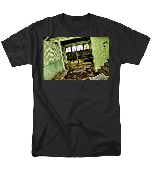 Men's T-Shirt  (Regular Fit) featuring the photograph Westbend by Ryan Crouse