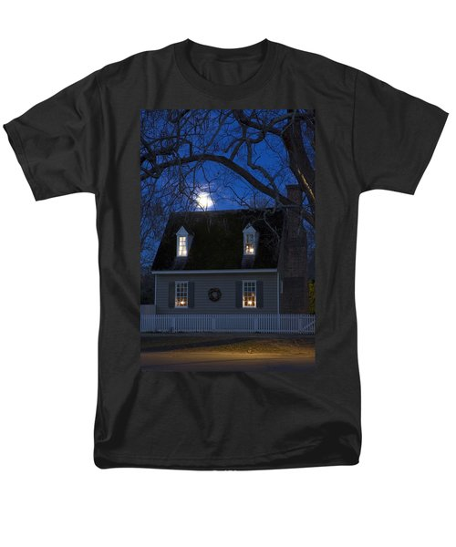 Williamsburg House In Moonlight Men's T-Shirt  (Regular Fit) by Sally Weigand