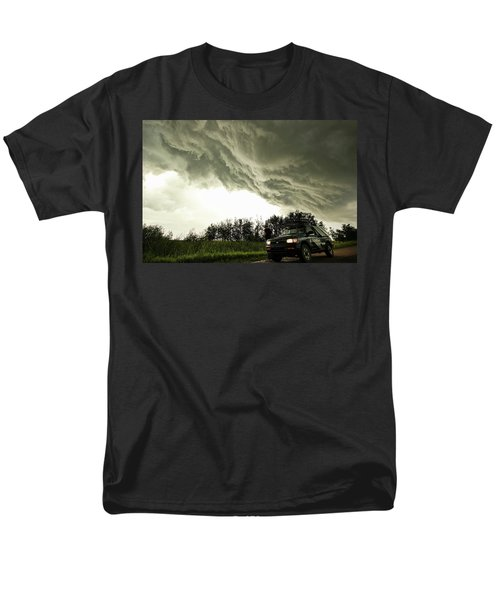 Men's T-Shirt  (Regular Fit) featuring the photograph Willowbrook Beast by Ryan Crouse
