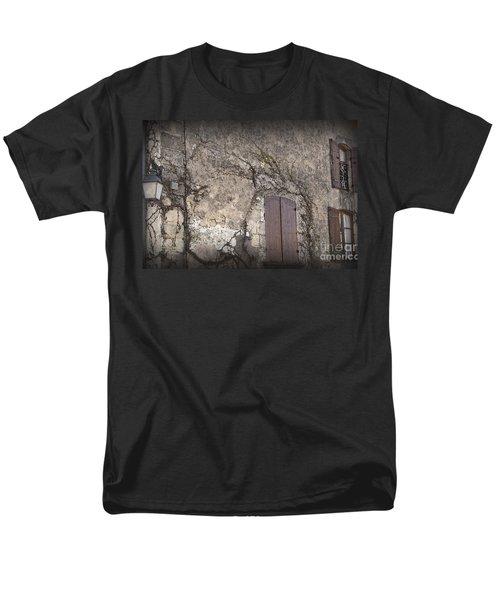 Windows Among The Vines Men's T-Shirt  (Regular Fit)