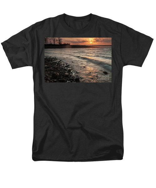 Winter Morning At The Vetran's Lake Men's T-Shirt  (Regular Fit) by Iris Greenwell