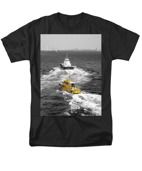 Yellow Pilot Yokohama Port Men's T-Shirt  (Regular Fit)