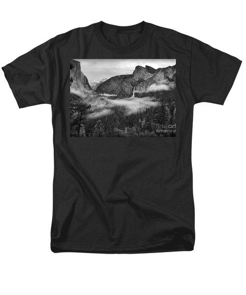 Yosemite Wawona Cloudscape Men's T-Shirt  (Regular Fit) by Martin Konopacki