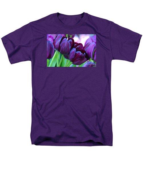 Tulips-dark-purple Men's T-Shirt  (Regular Fit)