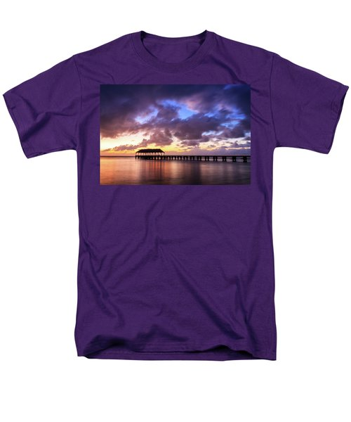 Hanalei Pier Men's T-Shirt  (Regular Fit)