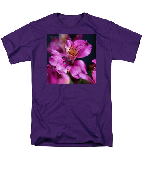 Men's T-Shirt  (Regular Fit) featuring the photograph Lily by Susi Stroud