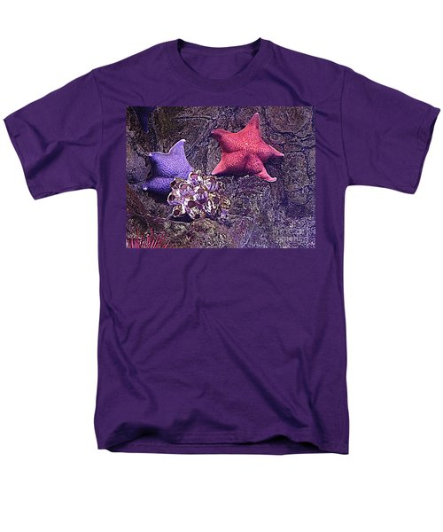 Men's T-Shirt  (Regular Fit) featuring the photograph Starfish Pink Starfish Blue by Richard W Linford