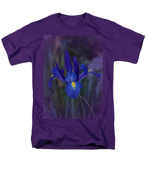Vintage Blue Magic Iris Men's T-Shirt  (Regular Fit) by Richard Cummings