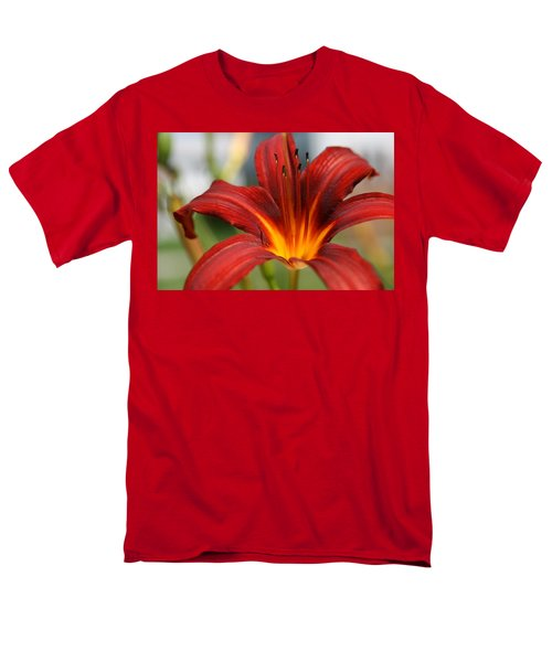 Men's T-Shirt  (Regular Fit) featuring the photograph Sunburst Lily by Neal Eslinger