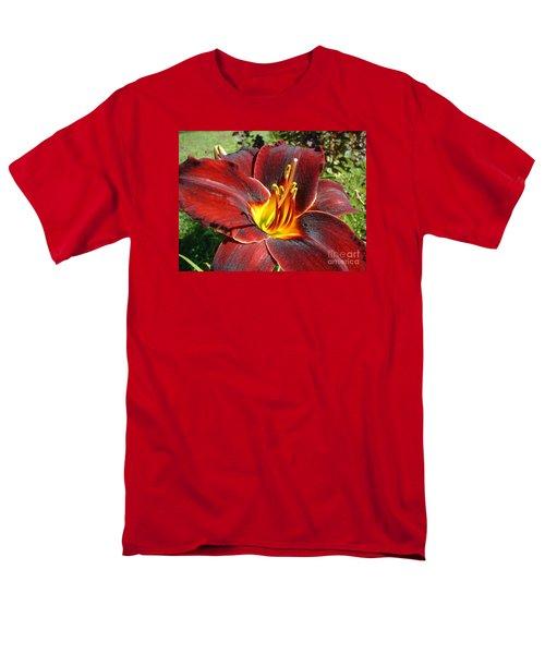 Bleeding Beauty Men's T-Shirt  (Regular Fit) by Mark Robbins