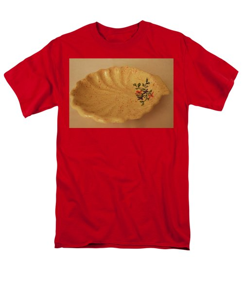Medium Shell Plate Men's T-Shirt  (Regular Fit) by Itzhak Richter
