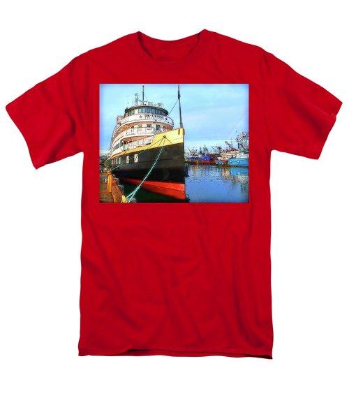 Tour Boat At Dock Men's T-Shirt  (Regular Fit) by Tobeimean Peter