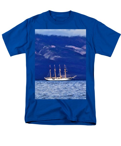 Men's T-Shirt  (Regular Fit) featuring the photograph Road To Lahaina 34 by Dawn Eshelman