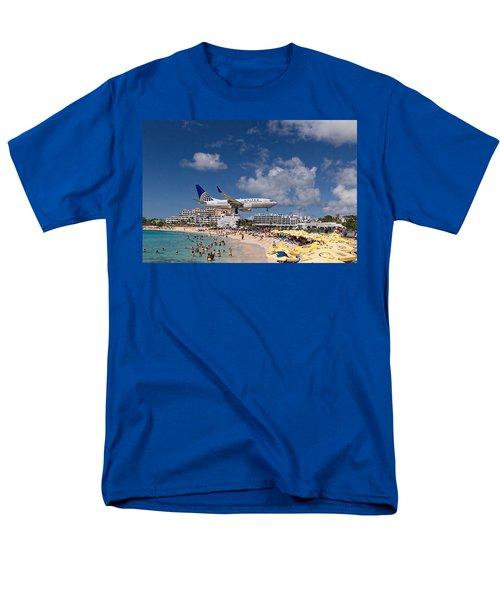 United Low Approach St Maarten Men's T-Shirt  (Regular Fit) by David Gleeson