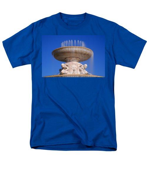 Men's T-Shirt  (Regular Fit) featuring the photograph The Belle Isle Scott Fountain by Gordon Dean II