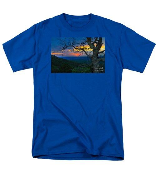 Arkansas Sunset Men's T-Shirt  (Regular Fit) by John Roberts