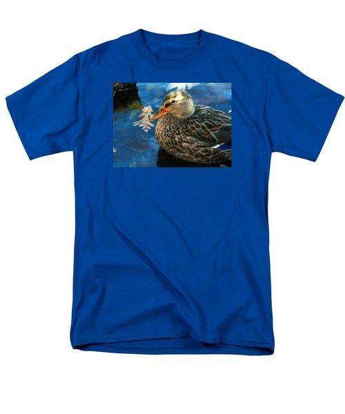 Female Mallard Duck In The Fox River Men's T-Shirt  (Regular Fit)