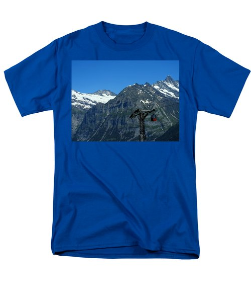 Maennlichen Gondola Calbleway, In The Background Mettenberg And Schreckhorn Men's T-Shirt  (Regular Fit) by Ernst Dittmar